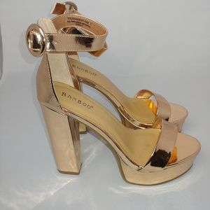 NWT Champagne Gold Bamboo Platform Heels